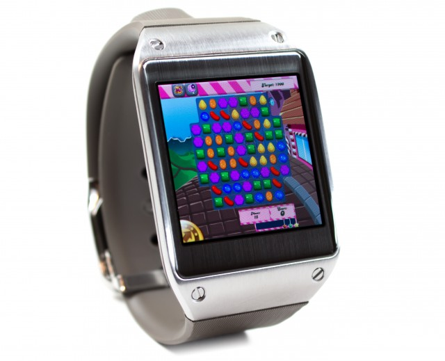 Samsung-Galaxy-Gear-Candy-Crush
