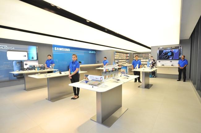 Samsung Experience Store ชั้น 2 เน้นการได้ทดลองและมีประสบการณ์จริงกับผลิตภัณฑ์