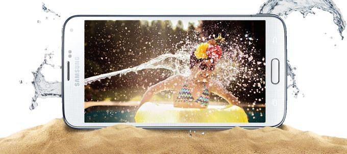 Samsung-Galaxy-S5-water-S6-poll