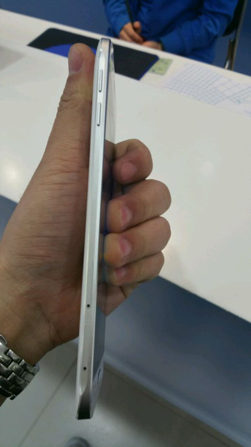 galaxy-a8-leaked-3