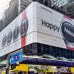 "Happy New ""Gear"" แคมเปญโฆษณาจาก Samsung แจกหน้าปัดฉลองคริสมาสต์ให้ Gear S2 ฟรี"